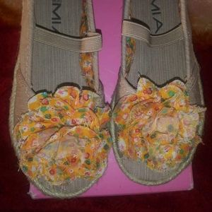 Girl shoes. Size 10